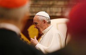 Abp Becciu: Papież dużo wycierpiał