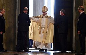 Jubileusz Miłosierdzia: Papież otworzył Drzwi Święte