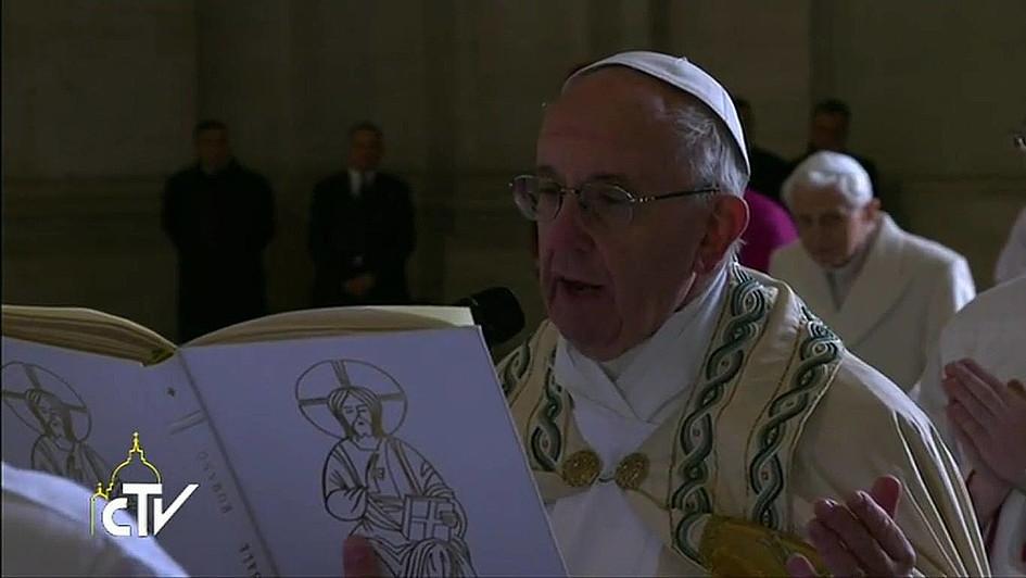Jubileusz Miłosierdzia: Papież otworzył Drzwi Święte - zdjęcie w treści artykułu nr 1