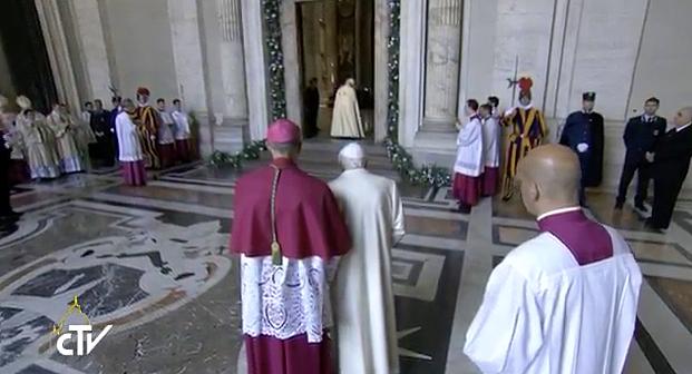 Jubileusz Miłosierdzia: Papież otworzył Drzwi Święte - zdjęcie w treści artykułu
