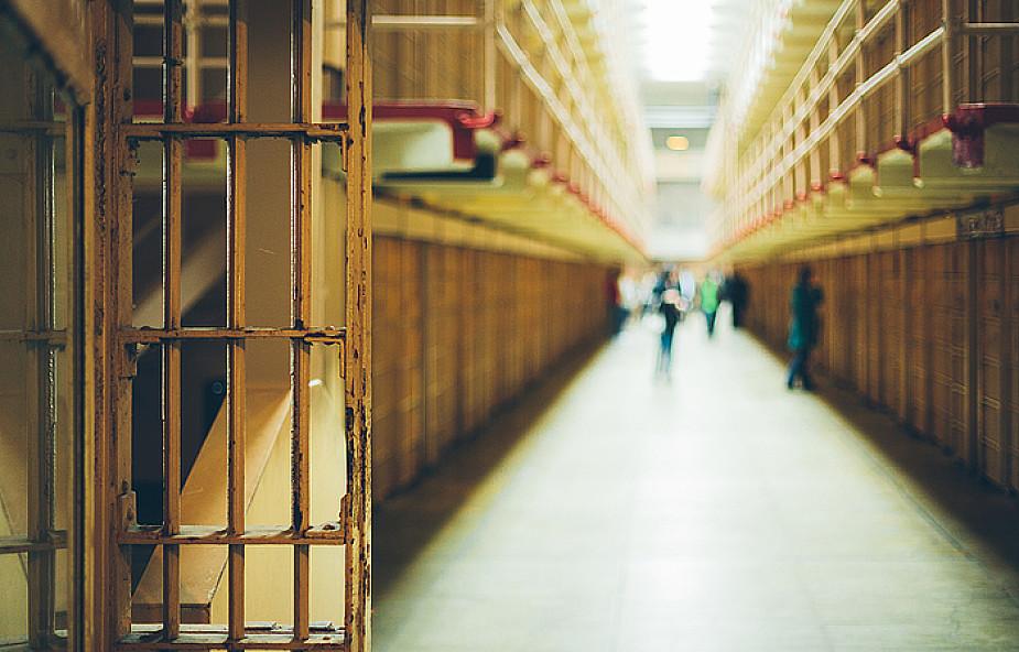 Bramy cel więziennych Drzwiami Świętymi
