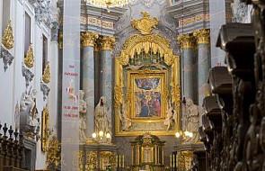 Abp Michalik modlił się z os. konsekrowanymi