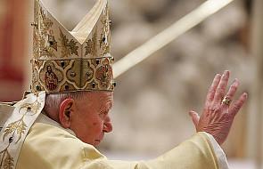 Polacy mniej religijni po śmierci Jana Pawła II?