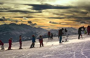 Duchowny namawia do dzielenia się nartami