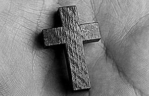 Prawie trzy piąte Polaków wierzy, że Bóg istnieje