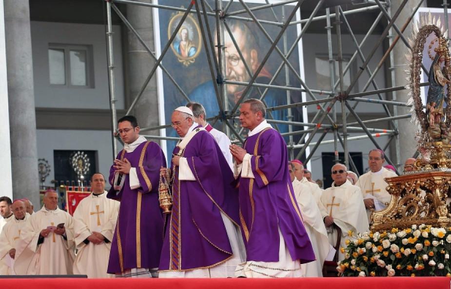Papieska Msza: nadszedł czas wyzwolenia Neapolu