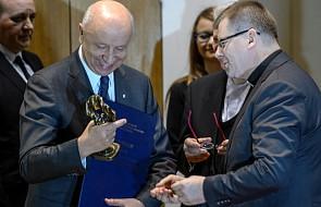 Prof. Chazan zadedykował nagrodę kolegom