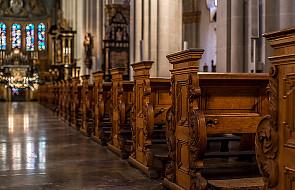 """""""Papież jest popularny, ale kościoły pustoszeją"""""""