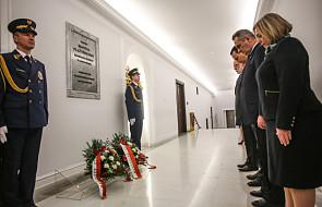 Marszałek Sejmu i wicemarszałkowie uczcili pamięć ofiar katastrofy