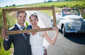 Super pomysł na urozmaicenie zdjęć weselnych
