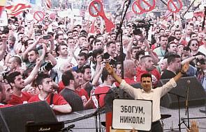 Tysiące demonstrantów żąda dymisji rządu