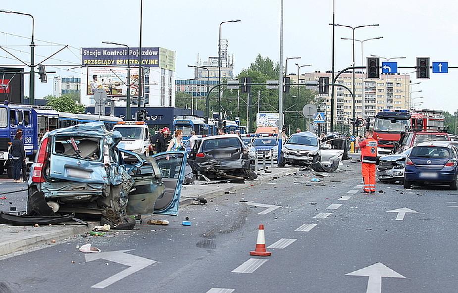 TIR staranował kilkanaście aut w Krakowie