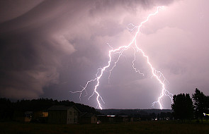 Uwaga: we wtorek nad Polską gwałtowne burze