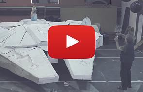 Ojciec i syn zbudowali z kartonu gigantyczny statek kosmiczny [VIDEO]