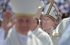 Papież wzruszony relacjami osób torturowanych