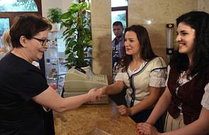 Premier Kopacz podróżuje koleją po Małopolsce