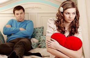 Dlaczego niekochane osoby szybciej decydują się na seks?