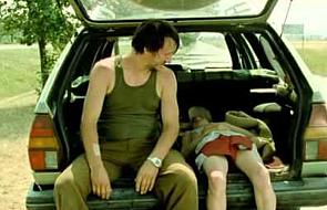 """Film na weekend: """"Wszystko będzie dobrze"""". O sile dziecięcej ufności"""
