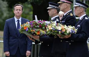 Cameron złożył hołd ofiarom zamachów