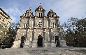 Chiny: Władze każą usuwać krzyże z kościołów