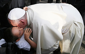 Papież: odkryjmy na nowo uczynki miłosierdzia