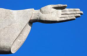 """Ogromny """"rosyjski Jezus"""" kontrowersyjnego rzeźbiarza"""