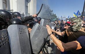 Mer Kijowa o ofiarach starć przed parlamentem