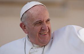 Franciszek przypomina, by dziękować Bogu