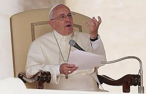 Franciszek: nie opuszczajcie ofiar tego kryzysu