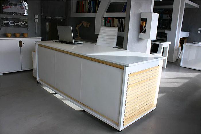 Producent mebli sprzedaje biurko... zmienialne w łóżko - zdjęcie w treści artykułu