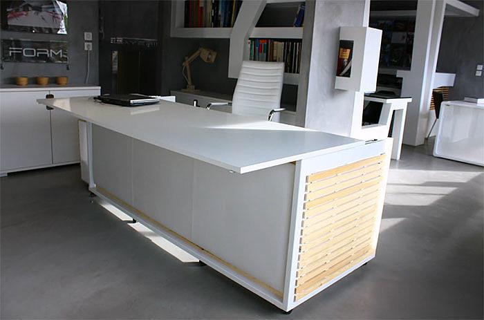 Producent mebli sprzedaje biurko... zmienialne w łóżko - zdjęcie w treści artykułu nr 1