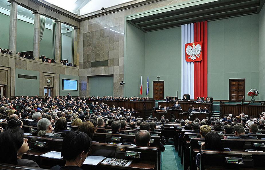 """Ustawa o """"uzgodnieniu płci"""" ponownie w Sejmie"""