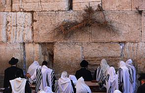Dokument o dialogu z judaizmem już po polsku