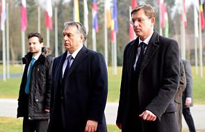 Orban za ogrodzeniem na granicy Grecji z Macedonią i Bułgarią