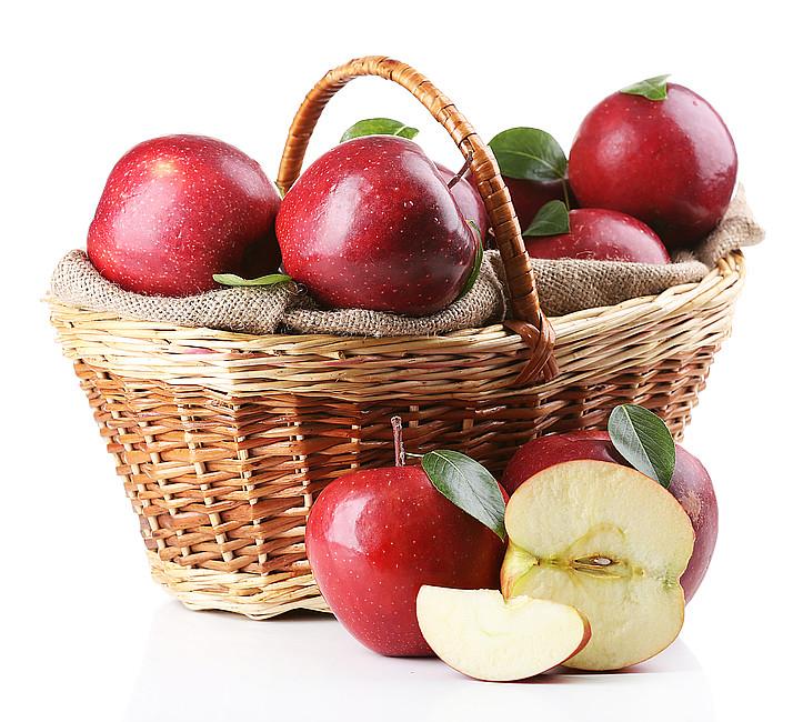 Babka babcina z jabłkami - zdjęcie w treści artykułu