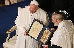 Wizyta papieża w synagodze oceniana bardzo wysoko