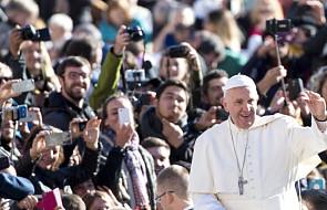 Franciszek: nauczmy się uczynków miłosierdzia