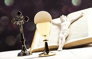 Czy kobieta może udzielać Komunii św.?