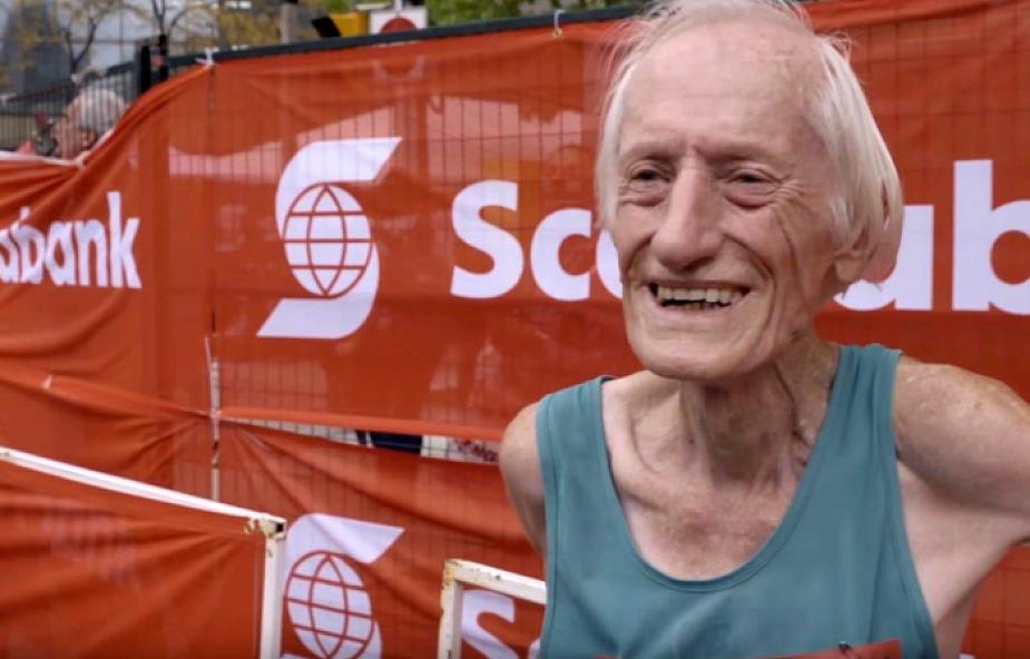 Ma 85 lat i właśnie pobił kolejny rekord. Jaki jest jego sekret?