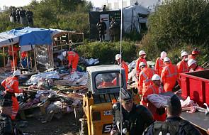 """Rozpoczęło się burzenie """"dżungli"""" w Calais"""