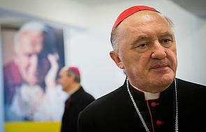 Kardynał Nycz o tym, ile zarabia arcybiskup
