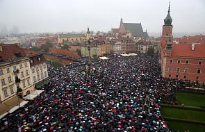 """""""Czarny poniedziałek"""" i strajk kobiet w stolicy"""