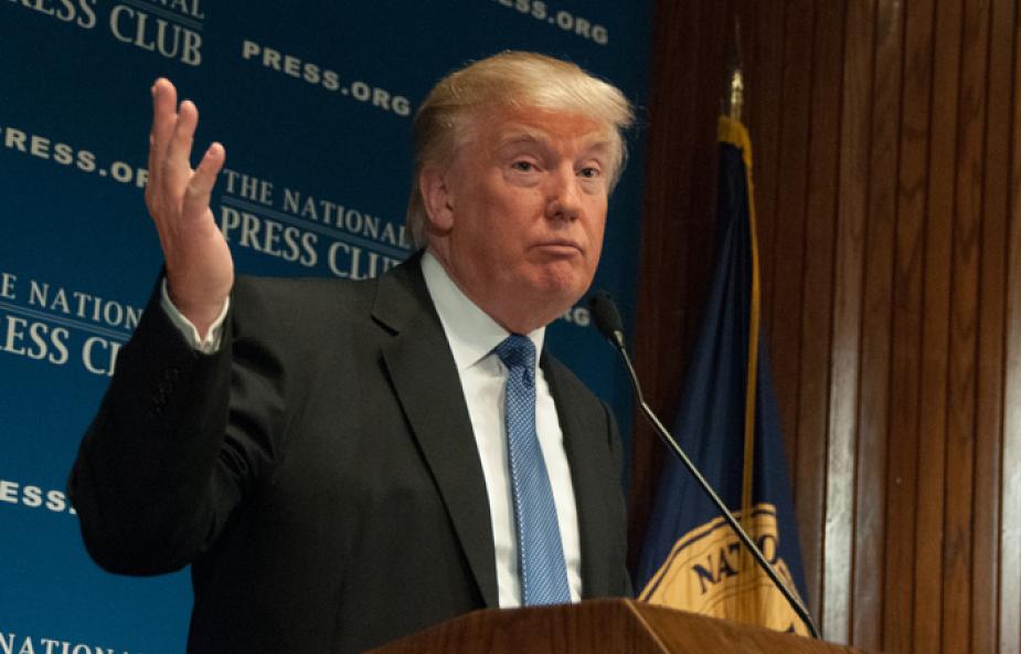 Trump przeprasza za seksistowską wypowiedź
