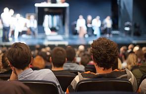Spektakl i pokaz filmów dla osób z dysfunkcją wzroku i słuchu