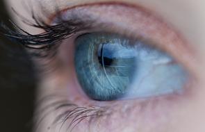 """Czy oko może być """"oknem do mózgu""""?"""