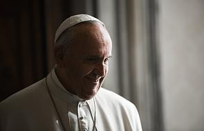 Papież: kształtujcie siebie przez miłosierdzie