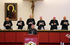 Polscy biskupi: miłosierdzie to droga do świętości