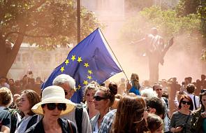 Wlk. Brytania: komisja krytykuje dyskryminację chrześcijan