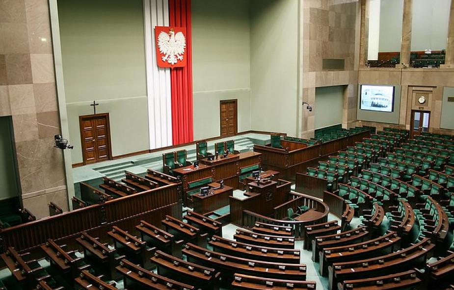 Sejm potępi ISIS za masowe morderstwa mniejszości religijnych