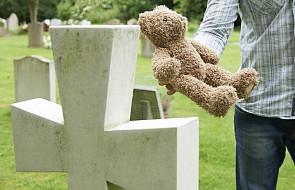 Jak pomóc rodzicom, którzy utracili dziecko